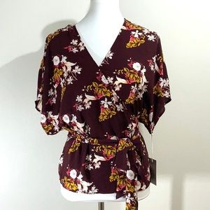 Chelsea 28 Wrap Wine Floral V Top New